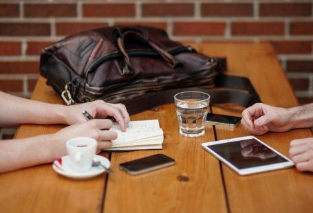 چرا و چطور مصاحبه کنیم - راهنمای تولید محتوای زنده برای بلاگ